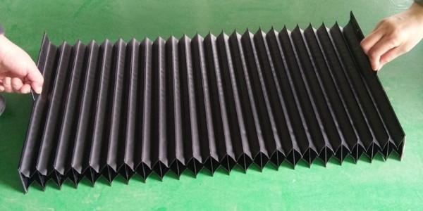 风琴护罩的伸长和压缩