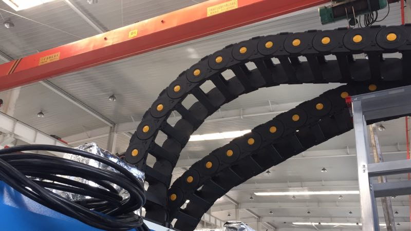 cable drag chain 02