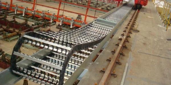 钻机桥式钢制拖链的使用