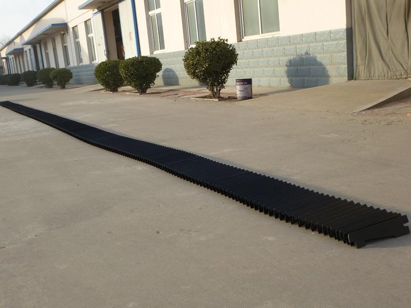 线性滑动轨道上的热焊接保护罩6