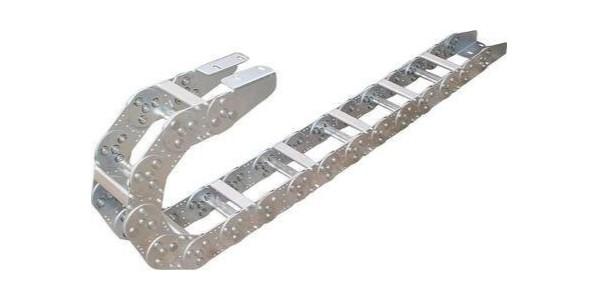 钢制拖链与塑料拖链能提高工作效率的使用年限