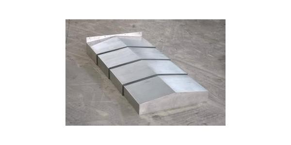【机床防护罩厂】钢板机床防护罩运用