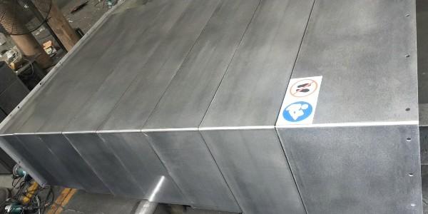 伸缩式钢板防护罩需要装同步拉筋吗?