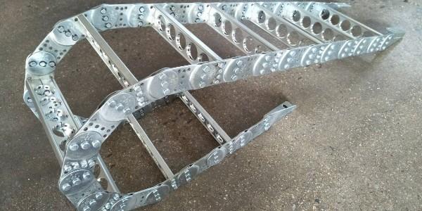 河北瑞奥机件制造有限公司钢拖链