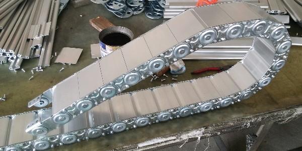 河北瑞奥机件制造有限公司钢制拖链